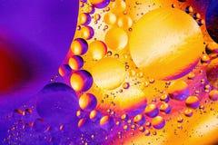 Imagem científica da membrana de pilha Macro acima de substâncias líquidas Sctructure abstrato do átomo da molécula Bolhas da águ Imagens de Stock Royalty Free