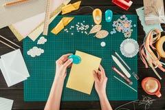 imagem colhida de folhas de papel do desenhista grampeando Foto de Stock Royalty Free