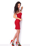 Imagem completa do corpo de uma jovem mulher bonita foto de stock