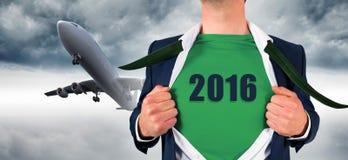 Imagem composta da camisa da abertura do homem de negócios no estilo do super-herói Fotografia de Stock