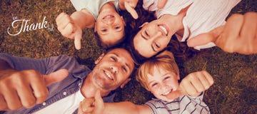Imagem composta da imagem digital do cumprimento feliz do texto do dia da ação de graças Fotos de Stock