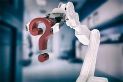 Imagem composta da imagem composta do ponto de interrogação robótico 3d da terra arrendada de braço Fotografia de Stock Royalty Free