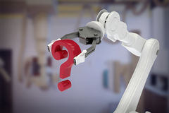 Imagem composta da imagem do ponto de interrogação robótico 3d da terra arrendada de braço Fotos de Stock