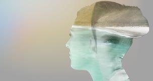 Imagem composta da lente de contato vestindo do homem imagens de stock