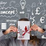 Imagem composta da mulher de negócios que mostra um cartão Imagem de Stock Royalty Free
