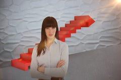 A imagem composta da mulher em seu escritório com seus braços cruzou 3d Imagens de Stock Royalty Free