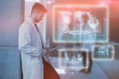 Imagem composta da relação médica em 3d azul e preto Fotografia de Stock Royalty Free
