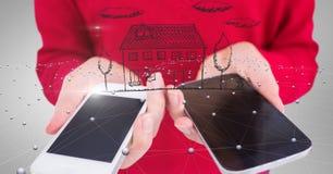A imagem composta de Digitas da mulher entrega guardar o telefone esperto com símbolo home e a conexão de pontos Fotografia de Stock