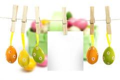 Imagem composta de ovos da páscoa de suspensão Imagens de Stock
