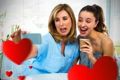 Imagem composta de uma mãe e seus filha e corações 3d Imagem de Stock Royalty Free