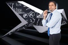 Imagem composta de vidros cortantes de pensamento do homem de negócios Imagens de Stock Royalty Free