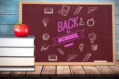 Imagem composta de volta à mensagem da escola com ícones Foto de Stock