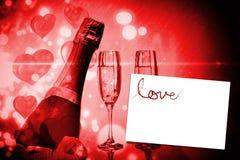 A imagem composta do amor soletrou para fora nas pétalas Foto de Stock Royalty Free