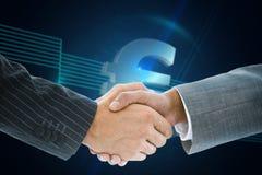 Imagem composta do aperto de mão do negócio contra o euro- sinal Foto de Stock