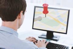Imagem composta do close-up do pino de desenho vermelho Imagem de Stock