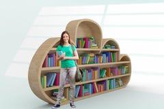 Imagem composta do estudante que sorri na câmera na biblioteca ilustração do vetor