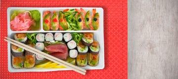 Imagem composta do fim acima da bandeja japonesa fresca do alimento Foto de Stock Royalty Free