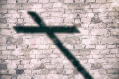 Imagem composta do fim acima da cruz 3d de madeira Fotografia de Stock Royalty Free