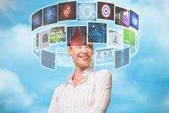 A imagem composta do gerente fêmea com braços cruzou-se no armazém 3d Imagem de Stock