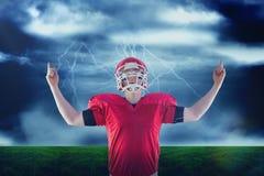 Imagem composta do jogador de futebol americano que triunfa imagens de stock