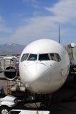 Imagem conservada em estoque de um airoplane no aeroporto Foto de Stock Royalty Free