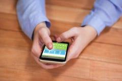 Imagem 3d composta da imagem digital da relação em linha da educação na tela Foto de Stock