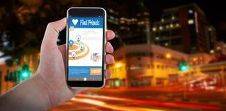 Imagem 3d composta da mão colhida que guarda o telefone celular Fotografia de Stock Royalty Free