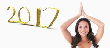 a imagem 3D composta da mulher bonita com mãos juntou-se no fundo branco Fotografia de Stock