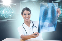 Imagem 3d composta do raio X de caixa de exame do doutor fêmea Fotografia de Stock