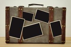 Imagem da bagagem velha do vintage com as fotos vazias para a fotografia m Imagem de Stock Royalty Free
