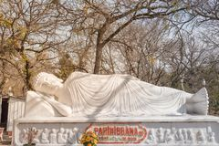 Imagem da Buda em seu nirvana de Parinibbana após a morte foto de stock royalty free