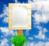 imagem da folha de papel na placa de madeira Fotografia de Stock