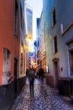 Imagem da noite da cidade velha na água de Colônia Imagens de Stock Royalty Free