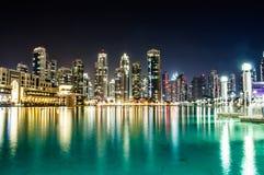 Imagem da noite da fonte quieta da dança em Dubai Imagem de Stock Royalty Free