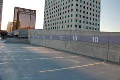 Garagem de estacionamento na cidade Imagem de Stock