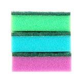 Imagem das esponjas coloridas isoladas perto acima de/líquidos de limpeza, detergentes, esponja da limpeza do agregado familiar p Fotografia de Stock