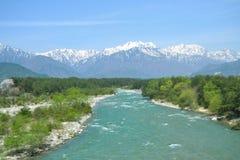 A imagem das montanhas e dos córregos bonitos Foto de Stock