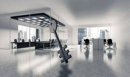A imagem de fundo conceptual de chave concreto assina dentro offic moderno Fotos de Stock