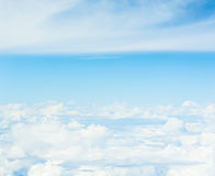 Imagem de fundo da nuvem branca e do céu azul Fotografia de Stock