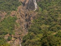 Imagem de quedas de Dudhsagar, tiro de Pune Ernakulam expresso imagens de stock royalty free