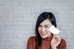 Imagem de sorrisos asiáticos da menina fotos de stock