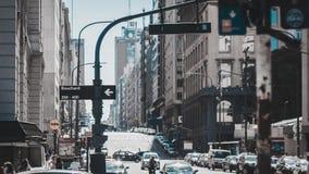 Imagem de uma avenida situada em Buenos Aires, Argentina Fotografia de Stock Royalty Free