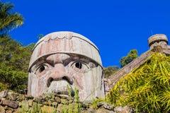 Imagem de uma réplica de uma cabeça de Toltec imagem de stock