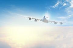 Imagem do avião no céu ilustração stock