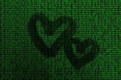 Imagem do código binário das figuras verde-clara, através de que a forma do coração é visível imagem de stock