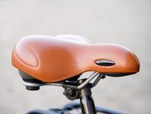 Imagem do close up de um assento confortável moderno do bycycle Imagem de Stock