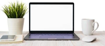 Imagem do close up de um teclado com um portátil t do telefone e do computador ilustração do vetor
