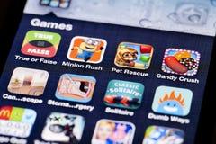 Imagem do close-up de uma tela do iPhone com ícones de Imagem de Stock Royalty Free