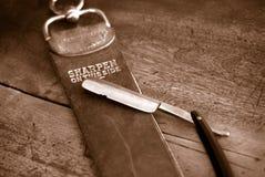 A imagem do filme do vintage do Sepia tonificou a lâmina antiga e B apontar fotos de stock royalty free