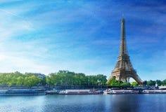 Imagem do Grunge da torre Eiffel Fotos de Stock Royalty Free